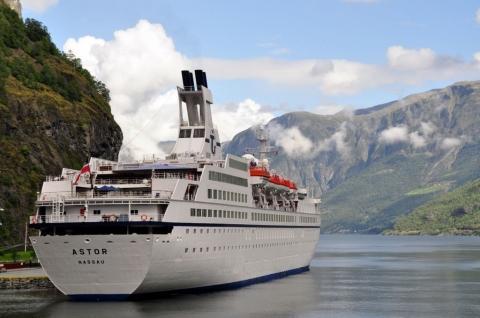MS Astor / Norwegen - (Kreuzfahrt, Kreuzfahrtschiff, Publikum)