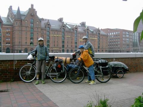 mit dem Rad am Elberadweg - (Flugreise, Reiseart, Fortbewegungsmittel)