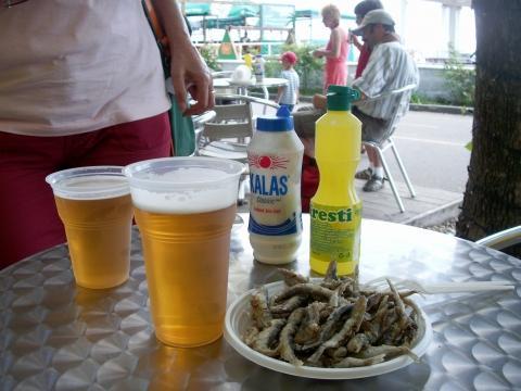 Bier und Satza - (Bulgarien, Lebensmittel, typische-Gerichte)