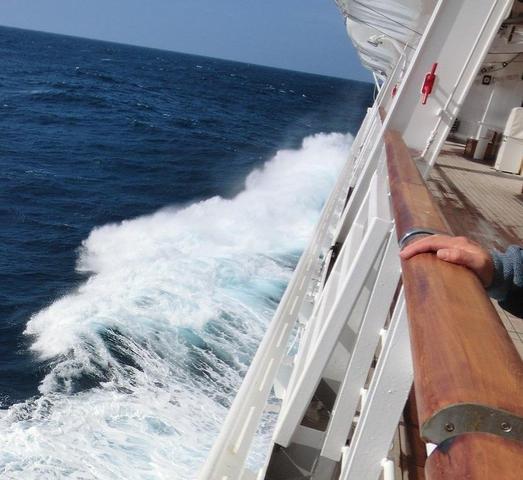 so schön kann Seegang sein;-) - (Kreuzfahrt, Kreuzfahrtschiff, AIDA)