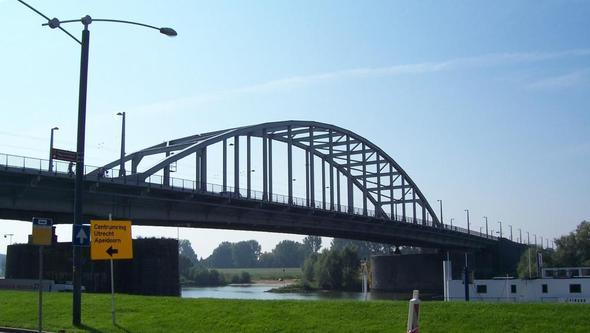 Die Brücke von Arnheim - (Niederlande, Arnheim, brücke von Arnheim)