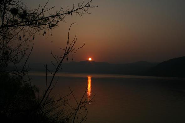 Sonnenaufgang bei Orsova - (Wandern, Rumänien, Fruehjahr)