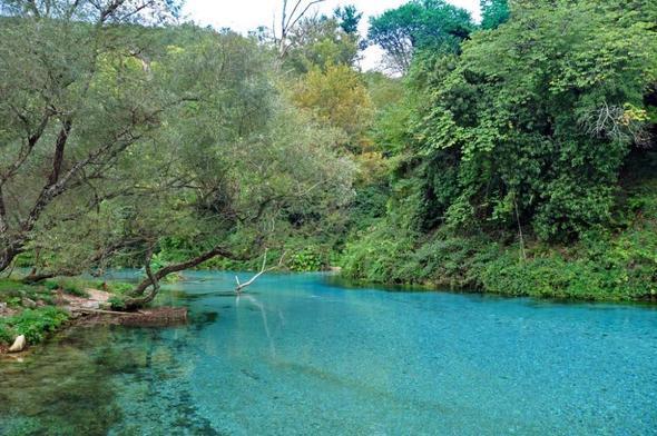 Landschaft im Süden von Albanien - (Albanien, Sauberkeit, Müll)