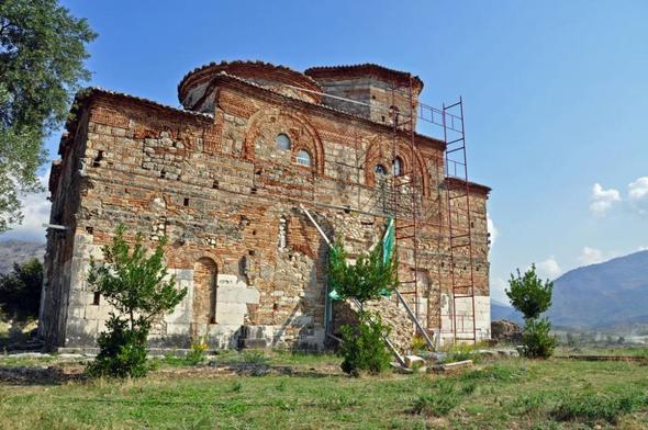 Ein Kloster in Süd-Albanien - (Albanien, Sauberkeit, Müll)