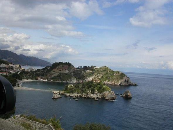 Isola Bella unterhalb von Taormina im März - (Italien, Sehenswürdigkeiten, Sizilien)