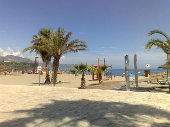 Playa Burriana Nerja - (Spanien, Hostel, Backpacker)