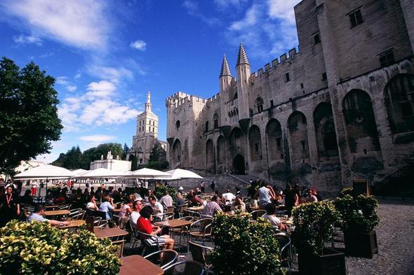 Papstpalast in Avignon - (Frankreich, Rundreise, Mietwagen)