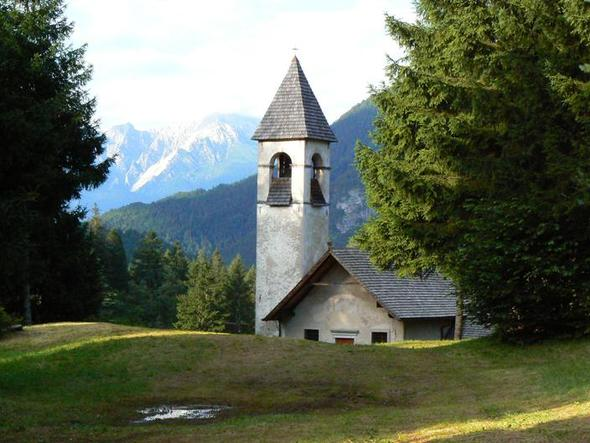 Die Kirche von Damos - (Europa, Italien, Österreich)