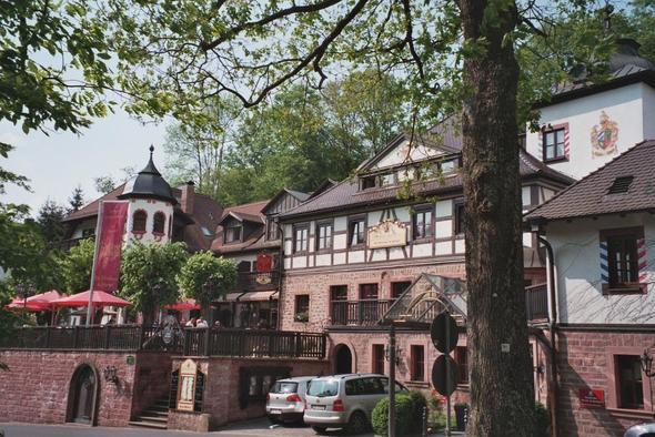 Schlosshotel - (Deutschland, Restaurant, Essen gehen)