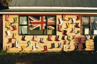 Gummischuhladen auf Steward Island - (Insel, Neuseeland, Fähre)