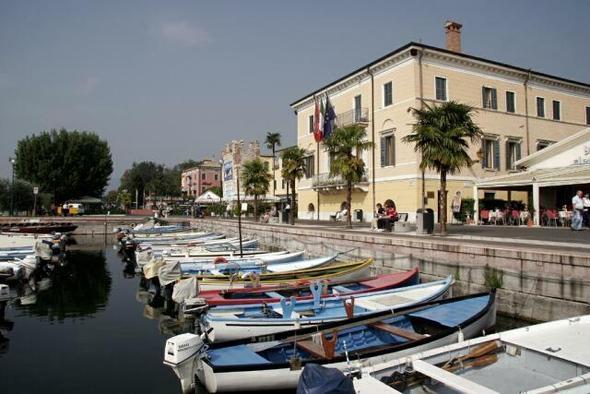 Hotel am Gardasee - (Europa, Italien, Unterkunft)