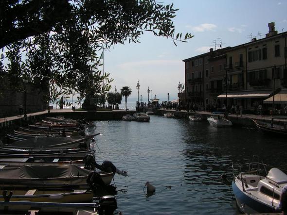 Gardasee - Lazise - (Italien, Strand, Stadt)