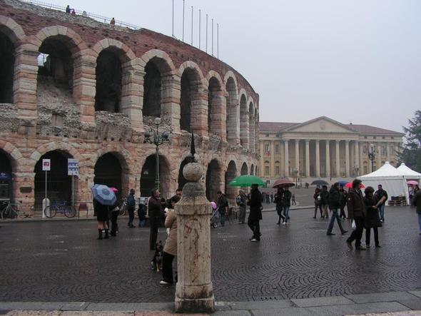 Verona - Arena (leider im Regen) - (Italien, Strand, Stadt)