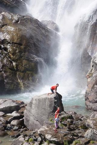 Größter Wasserfall Südtirols - jetzt ist die beste Zeit! - (Kultur, Sport, Familienurlaub)