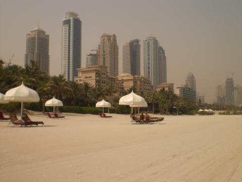 Strand vor dem Royal Mirage bei 45 Grad... - (Strandurlaub, Wetter, Dubai)