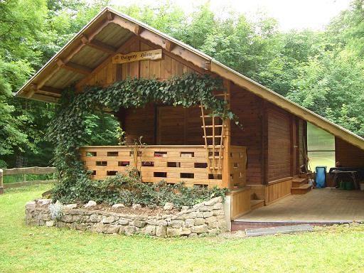 Einsame Hütte Oder Haus Im Wald Oder Am See In D Für 2