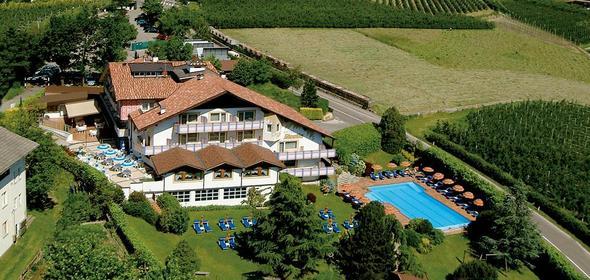 Hotel in Meran - (Hotel, Unterkunft, Südtirol)