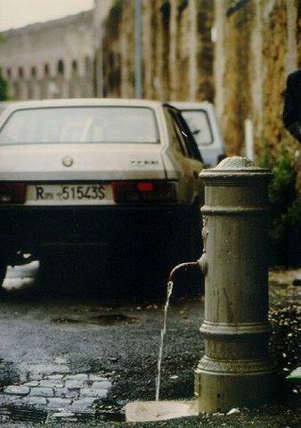 Typischer Nasone Trinkbrunnen in Rom - (Europa, Italien, Rom)