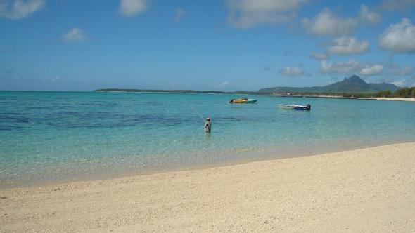 Strand direkt neben dem Hotel - (Strand, Badeurlaub, Mauritius)