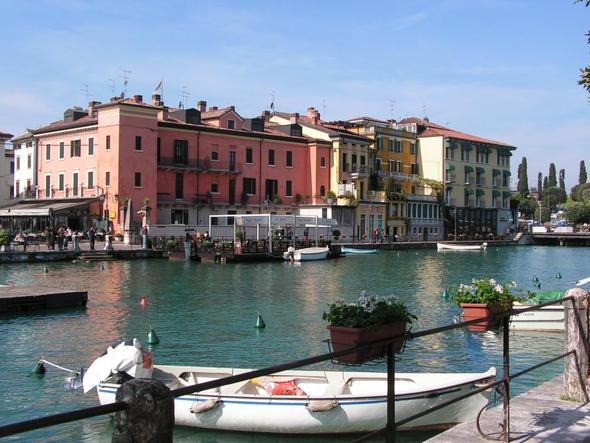 Peschiera del Garda am Mincio - (Europa, Italien, Reiseziel)