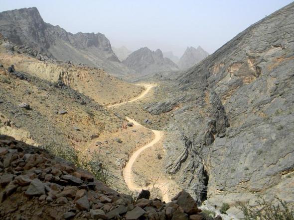 Abenteuerliche Piste durchs Gebirge - (Architektur, Arabien, fotografieren)