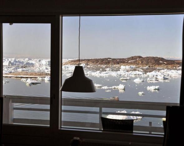 Blick vom Zimmer im Hotel 'Hvide Falk' in Ilulissat - (Hostel, Couchsurfing, Grönland)