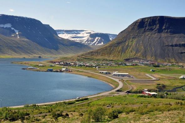 Blick auf Ísafjörður / Island - (Skandinavien, Island, Nordlicht)