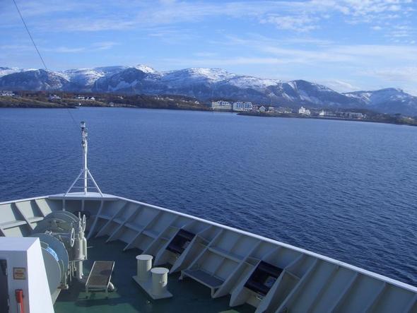 Hurtigruten - (Kreuzfahrt, Norwegen, Berge)