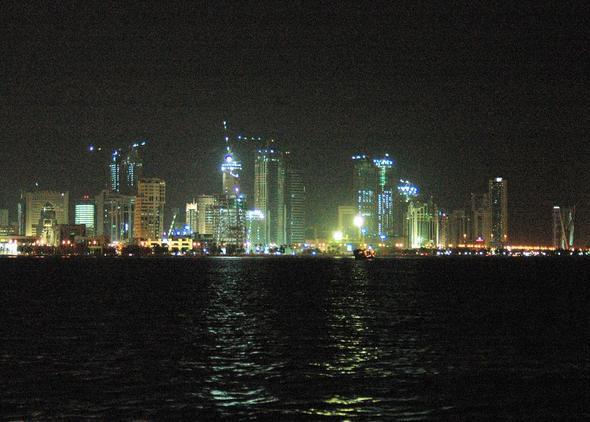 Doha City, West Bay, Qatar bei Nacht - (Reiseziel, Zwischenstopp, Katar)
