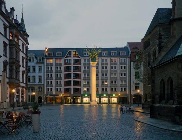 Platz bei der Nikolaikirche - (Deutschland, Sehenswürdigkeiten, Städtereise)