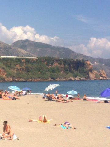 Strand bei Nerja - (Spanien, Sehenswürdigkeiten, Mietwagen)