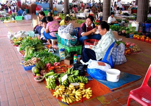 Auf dem Markt von Kapit - (Asien, Indonesien, Südostasien)