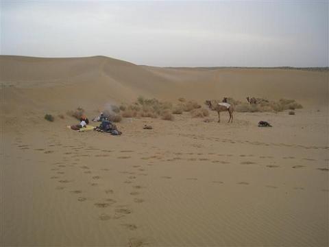 Unser Schlafplatz in der Wüste Thar. - (Urlaub, Übernachtung, Wüste)
