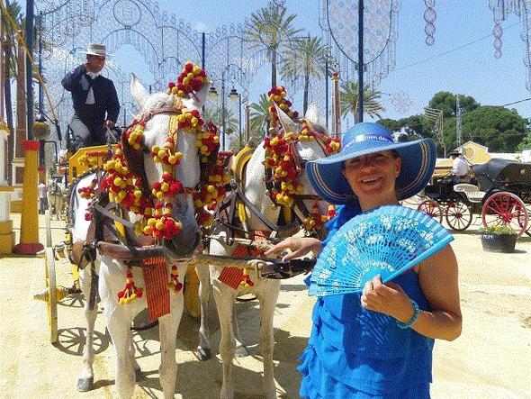 Mit der Pferdekutsche auf der Feria umherfahren macht Spaß. Jerez de la Frontera - (Spanien, Andalusien, Pferde)