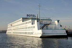 Amstel Botel - (Niederlande, Holland, Amsterdam)
