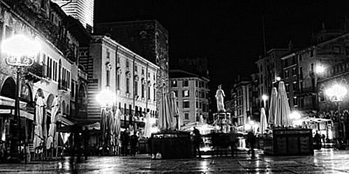 Piazza delle Erbe Verona - (Europa, Italien, Venedig)