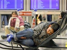 - (Flughafen, schlafen)