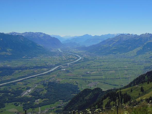 Blick vom Hohen Kasten (Brülisau) wie der Rhein aus den Alpen kommt - (Schweiz, Ausflug, Kanton)