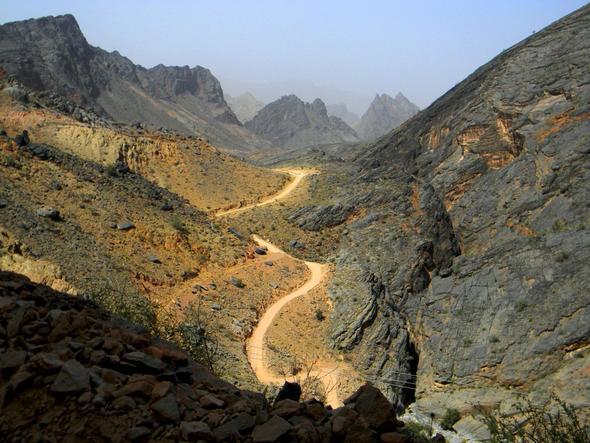 Die Piste zwischen Rustaq und Al Hamra - (Reiseveranstalter, Oman, Reiseleiter)