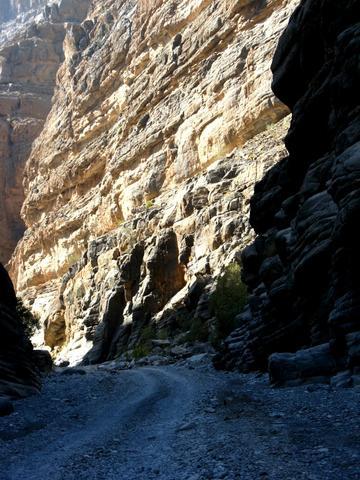 Durch die Al Nakhr-Schlucht - (Reiseveranstalter, Oman, Reiseleiter)