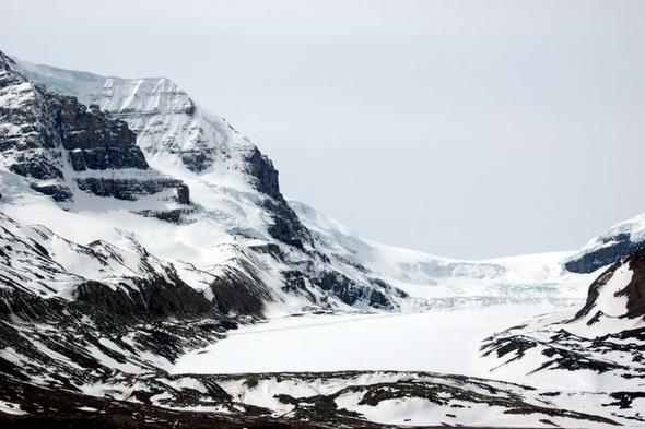Der Athabasca Glacier - (Kanada, Straßenverhältnisse im Oktober)