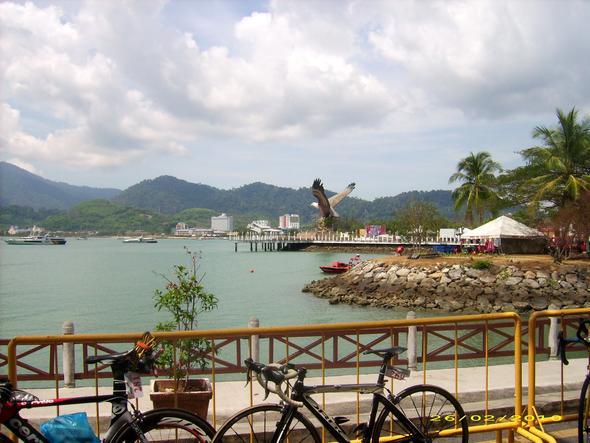 Langkawi Hafen - (Thailand Malaysia Transfer, Thailand Malaysia Grenze, Thailand Malaysia Bus)