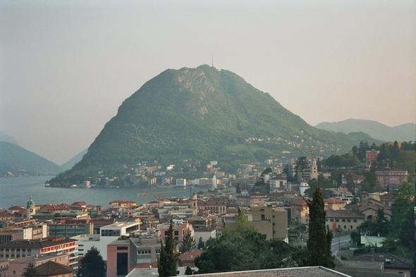 Blick auf See und San Salvatore - (Hoteltipp, Badeurlaub, Sommerurlaub)
