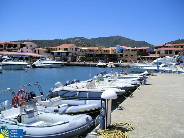 Hafen Ottiolu, Sardinien - (Europa, Strand, Stadt)