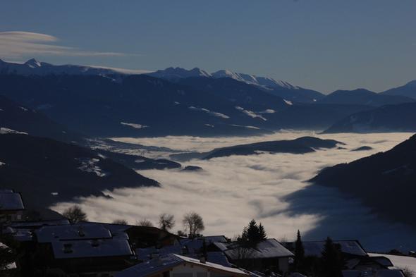 Nebel über dem Pustertal - (Winter, Sport, Ski)