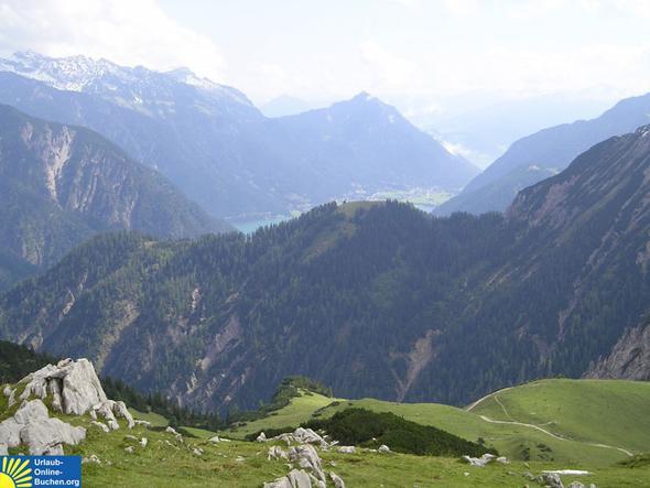Aufstieg Richtung Seewaldhütte - Blick auf den Achensee - (Wanderurlaub karwendel, wanderungen Pertisau, achensee urlaub)