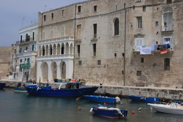 im alten Hafen von Monopoli - (Italien, bar, Apulien)