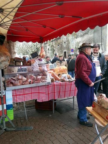 auf dem Trüffelmarkt in Richerenches - (Europa, Italien, Frankreich)