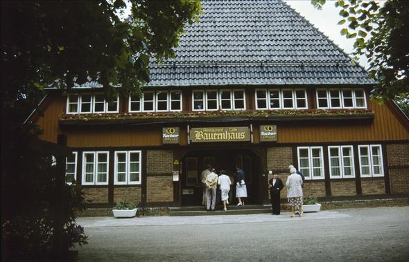 Rest. Bauernhaus im Volkspark - (Sehenswürdigkeiten, Hamburg, Sehenswertes)