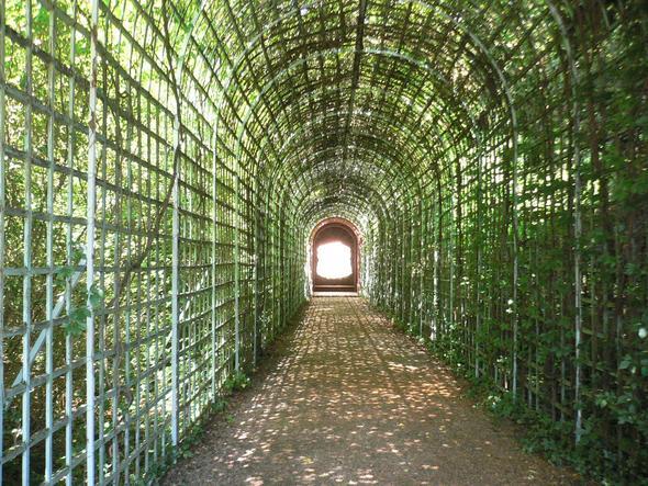 Das Ende der Welt im Schlosspark Schwetzingen - (Reise, Weltreise, Gesellschaft)
